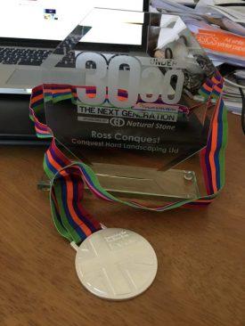 awards-line11-3